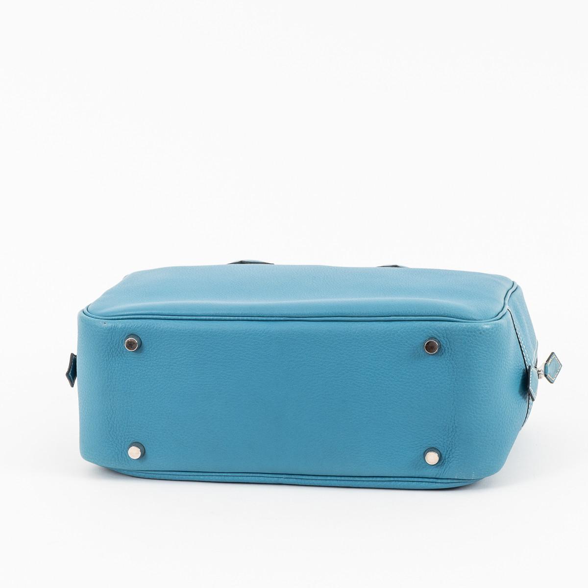 3e812795bc Sac à main Plume moyen modèle en cuir epsom bleu-jean. 6 image(s). Hermès