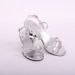 Paire de sandales à talon P.36