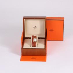 Montre Mini Cape Cod en or 18k bracelet double-tour.