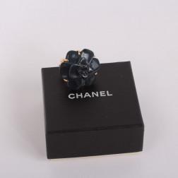 Bague Camélia Grand Modèle Edition Limitée onyx bleu or jaune 18k