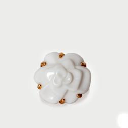 Bague Camélia Moyen Modèle or jaune 18k et agate blanche